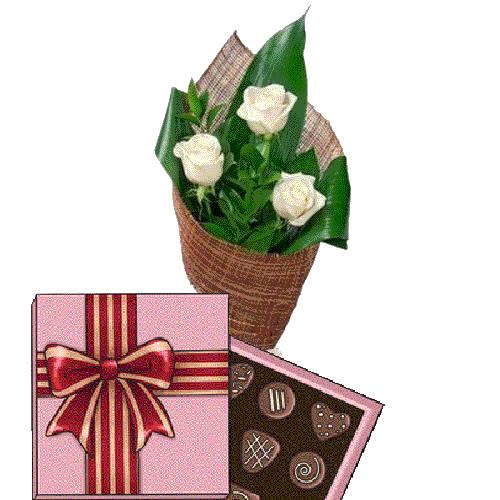 Фото товара 3 белые розы с конфетами