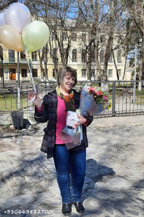цветы, конфеты и шарики с доставкой